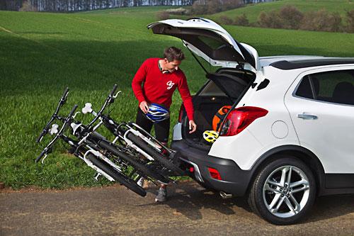 Fahrradträger verbessern die mobilen Möglichkeiten im Auto. Bild: Opel