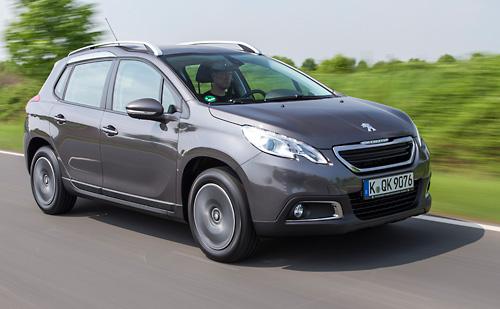 Der Hybridair-Antrieb kommt zunächst in einem Peugeot 2008 zum Einsatz. Bild: PSA