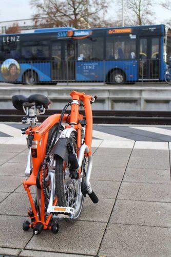 Gut mit Bahn und Bus kombinierbar.